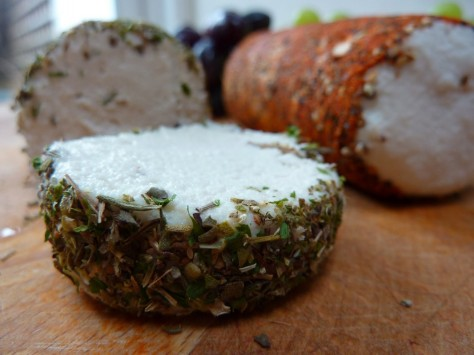 Raw-Vegan-Creamy-Cheese-of-Mont-Saint-whole-finished-1066x800