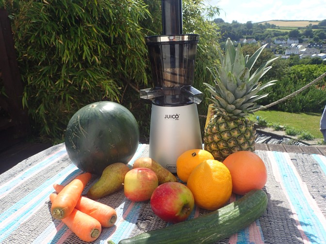 Review: Juico Uno Slow Juicer